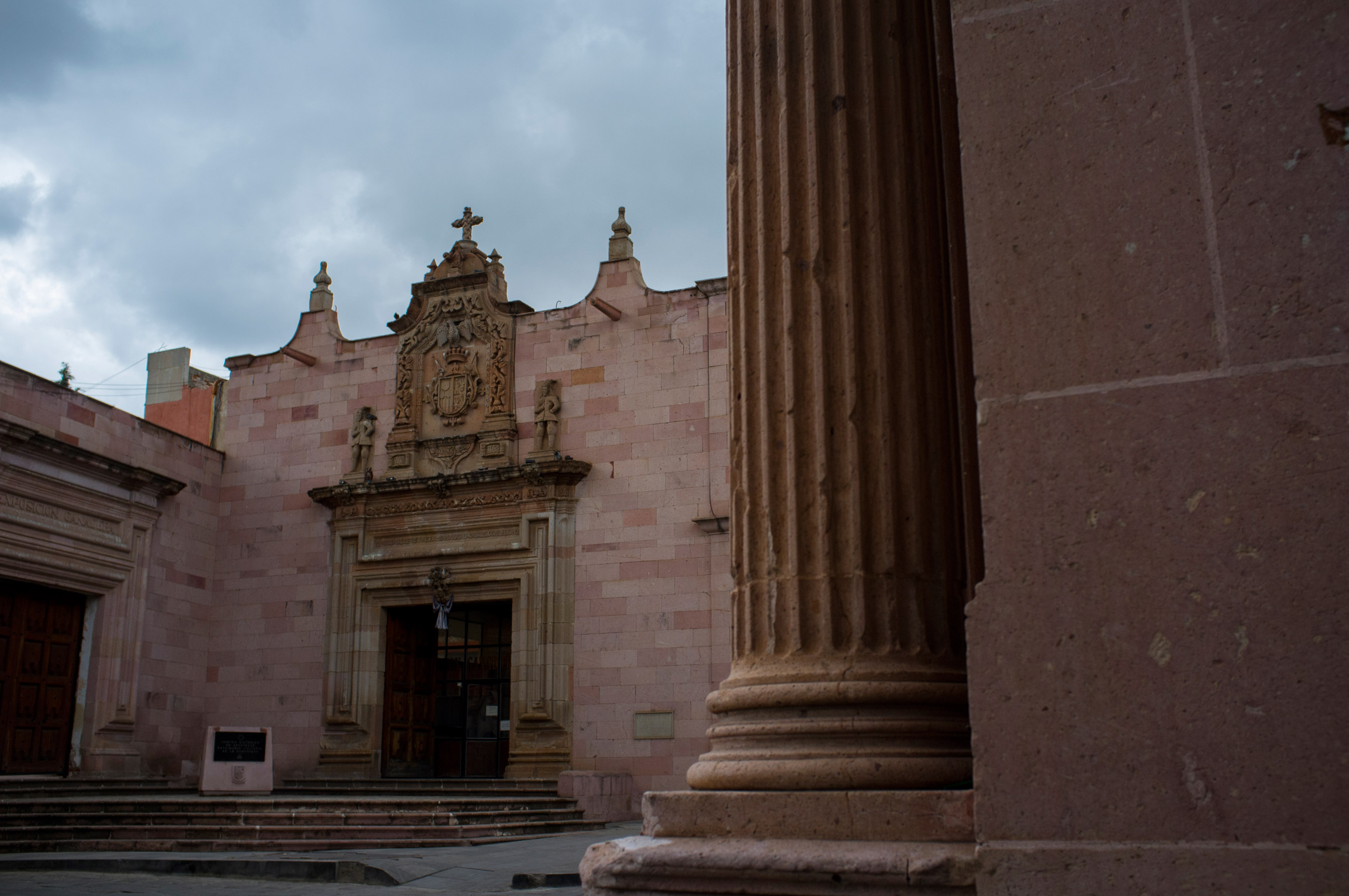 A pink stone building in Zacatecas